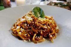 "Spaghetti Bolognaise à la Trattoria ""I Dduje Scugnizzi"""